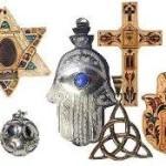 Amuletos y talismanes – Protección y suerte
